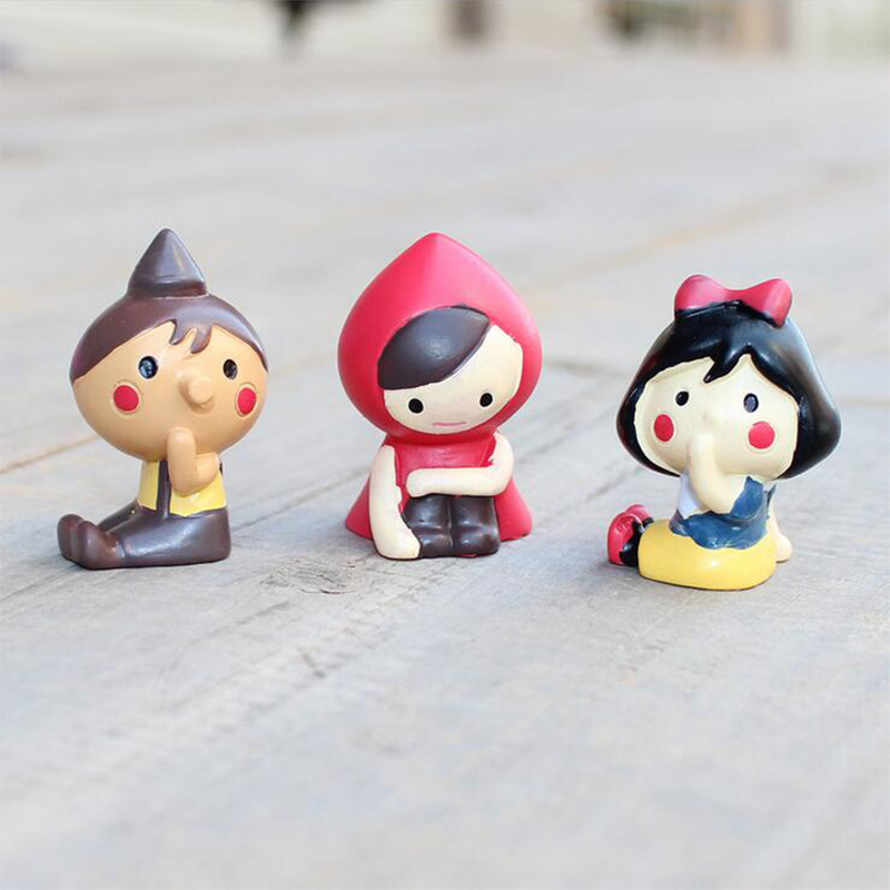 Sitting Red Cloth Hat Girl Miniature figurine Boy Decoration wedding Mini Fairy Garden statue Resin craft toy ornaments