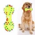 Brinquedos do cão Brinquedos Do Cão Squeeze Pontilhadas Coloridas Forma de Halteres Squeaky Faux Osso Pet Mastigar Brinquedos Para Cães