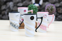 2017 Coffee Tea Cup Black White Pink Color With Lip Ceramic Cup Care Set Scrub Simple