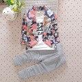Venta caliente Embroma la Ropa de Primavera Chicos Caballero Impresión Floral Suit Coat Pantalones Rayados 2 unids Set Moda ropa Para Niños conjunto