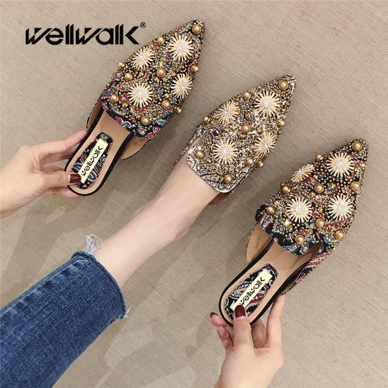 Wellwalk Flat Slippers High Fashion Mules Shoes Women Designer Slides With Beads Luxury Slippers Women Mules Flat Shoes