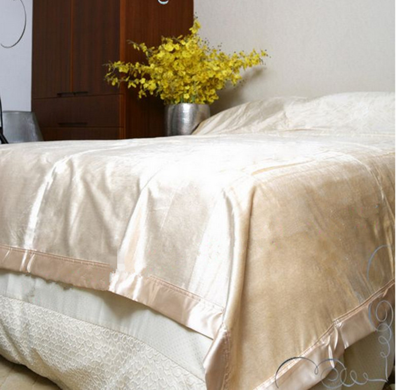 100% Nature Silk Double sided terry silk blanket Beige color King Queen size could be machine washed silk blanket