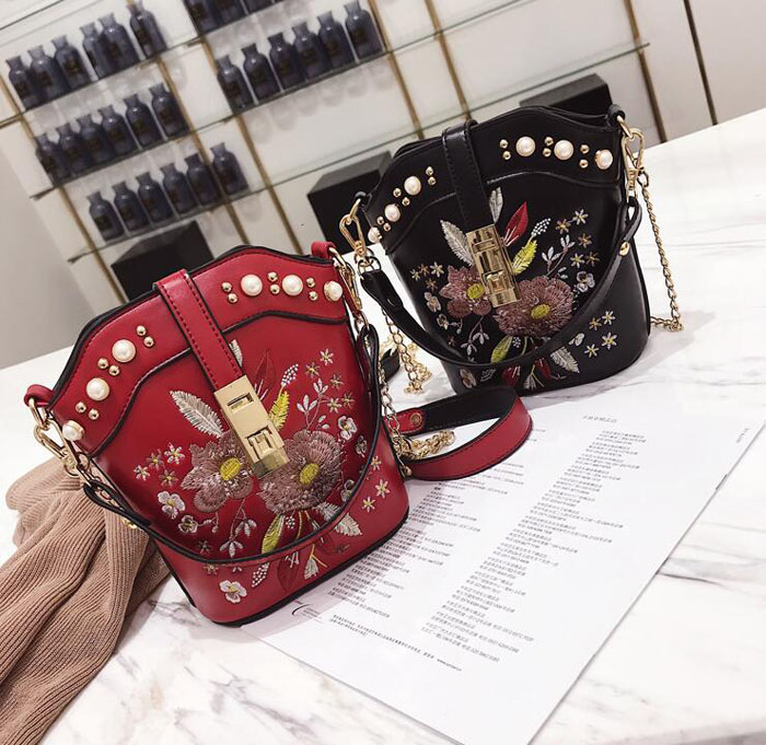 Designer Women Leather Hobo Bucket Bags Mini Flower Embroidery Pearl Chain  Retro Floral Handbag Luxury Tote Bag High Quality-in Shoulder Bags from  Luggage ... e8641d4b5b46a