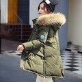 2016 Nueva Ropa de Invierno Mujeres Pato Chaqueta Abajo Capa Caliente de Alta Calidad Con Piel De Mapache Mujer de Down Parka Abrigos de Invierno