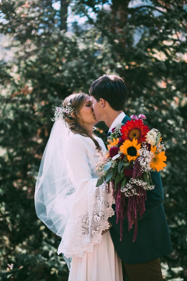 Intimate-Southwest-Colorado-Wedding-in-the-Mountains-Lauren-Parker-Photography-22-600x900