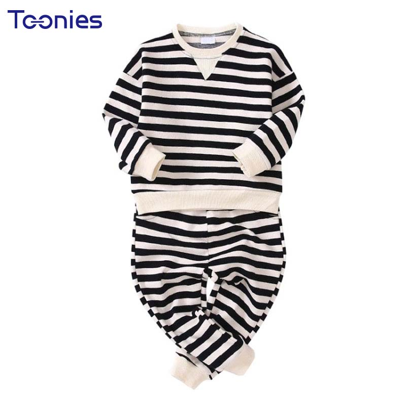 2018 High Quality Long Sleeved Boys Suits O-neck Sweatshirt+ Pant Toddler Boy Clothing Striped Pullover Cotton 2pcs Boy Sets