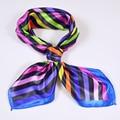 Venda quente Borda Azul OL Acessórios de Moda de Todos Os Jogo do Lenço da Seda Impresso Lenços De Cetim 52*52 cm Listrado Colorido Pequeno lenços