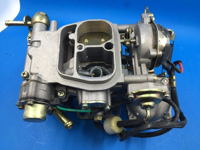 US $165 0 |Carb CARBURETOR (FIT: TOYOTA VAN HILUX) 4Y 2 2L ENGINE *FREE  SHIPPING* ON SALE!-in Carburetors from Automobiles & Motorcycles on