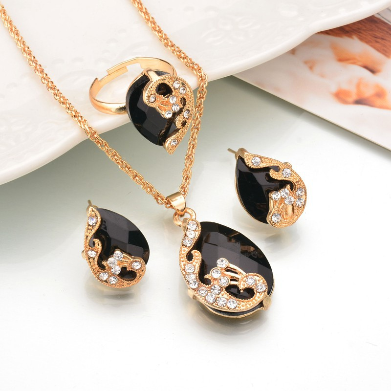 Hot Drop Crystal Peacock Shape Fashion Necklace Ear Stud Ring Jewelry Set Party Wedding Jewelry