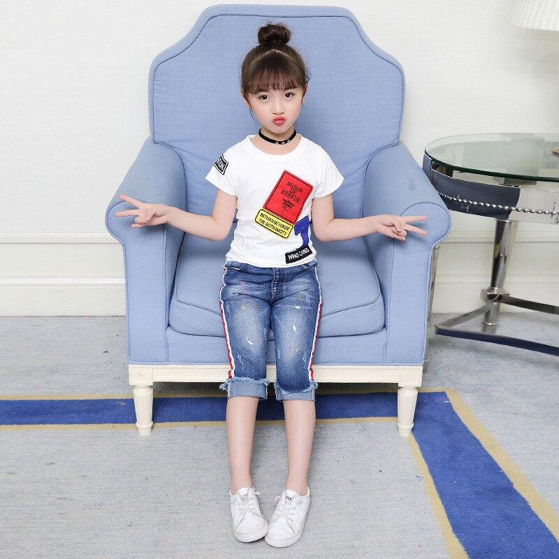 Для девочек Костюмы 2018 летний комплект Одежда для маленьких девочек короткий рукав Футболка + Джинсовые шорты капри брюки джинсы детская од...