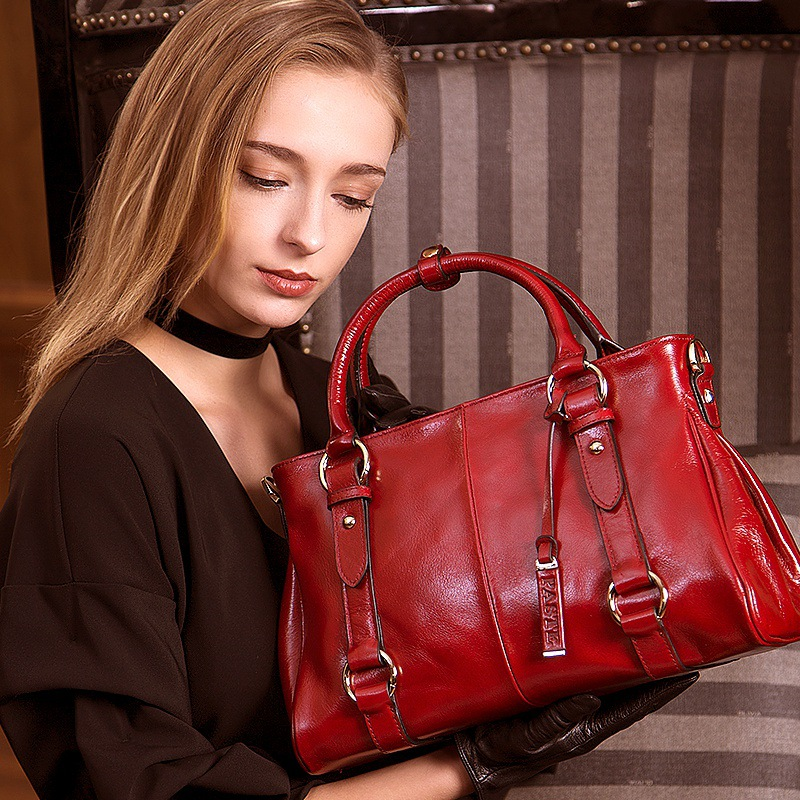 Simple leather handbags 2018 new oil wax layer leather retro bag fashion bag portable Messenger bag Bolsos Mujer women