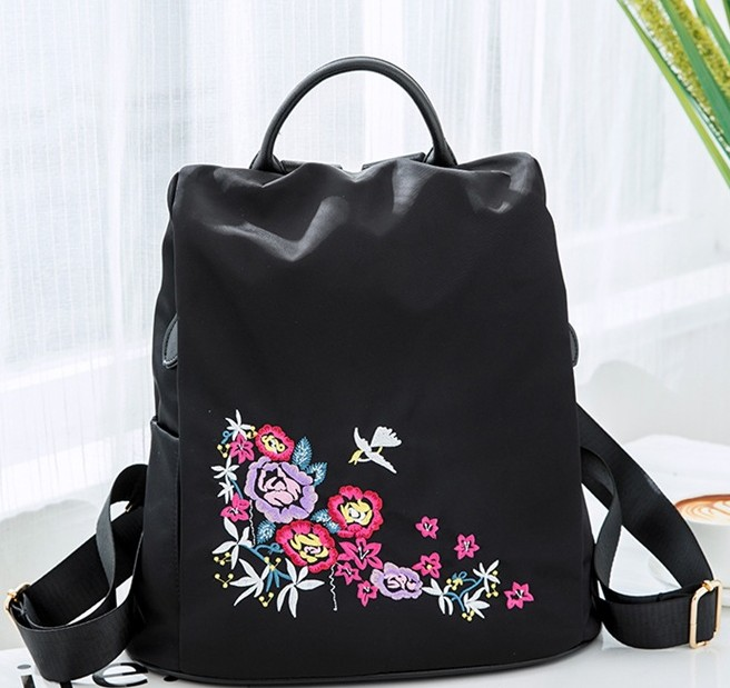 Embroidery backpack han edition fashion female 2017 new joker backpack water proof Oxford canvas mummy bag