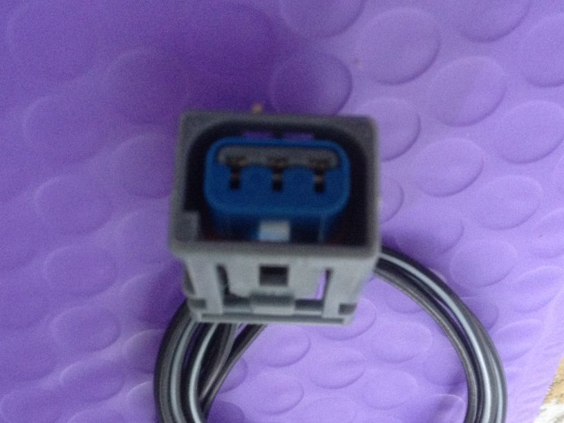 1PCS FOR  Ford ignition coil high pressure sensor sensor plug connector genuine oem high pressure sensor for john deere 504381065 d815