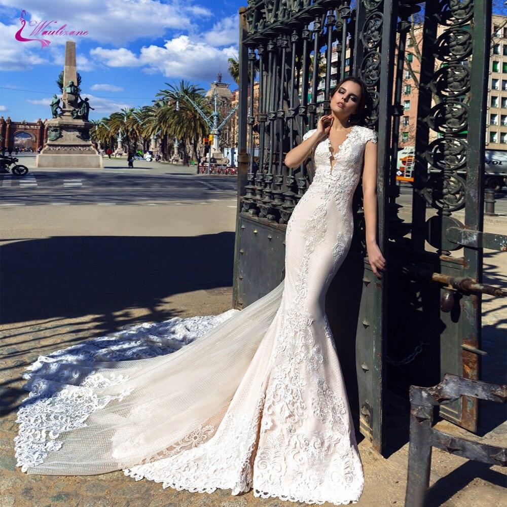 Waulizane Sexy V-Neckline Of Elegant Lace Mermaid Wedding Dress With Floor Length Count Train Bride Dress