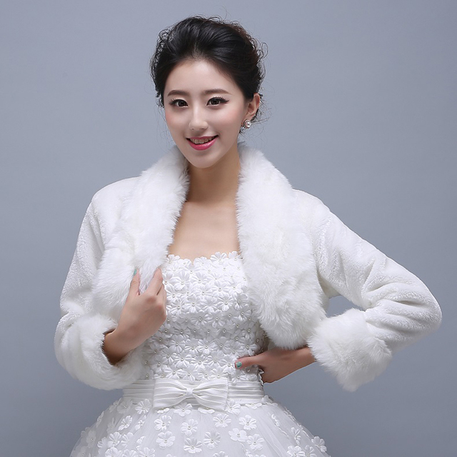 2017 Simple Fashion White Faux Fur Short Wedding Jacket Wraps with Long Sleeve Winter Formal Dresses Coats Elegant PJ62