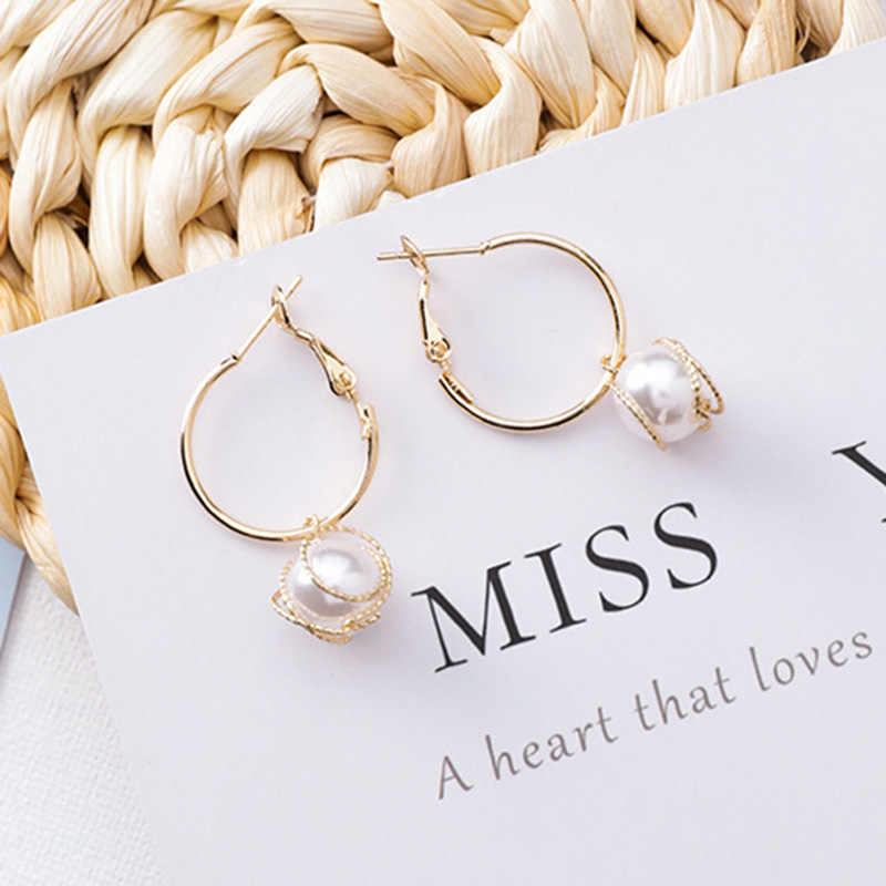 2019 New Ladies Minimalist Gold Color Small Hoop Earrings With Twisted Pearl Pendant Loop Hoops For Women Christmas Jewelry Gift