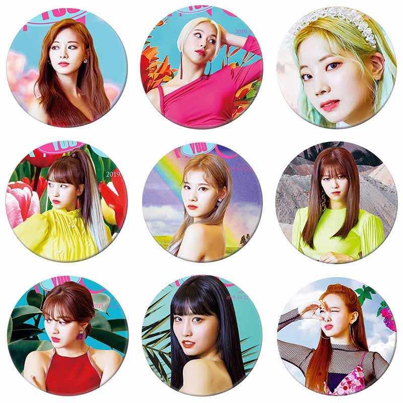 Kore KPOP IKI KEZ Yeni Albümü Fantezi Size Broş düğme rozet Aksesuarları Giyim Için Şapka Sırt Çantası Dekorasyon