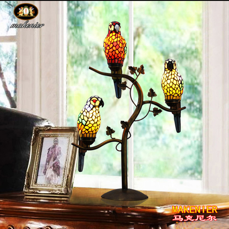 Makenier Vintage Tiffany Style Stained Glass 3 Light
