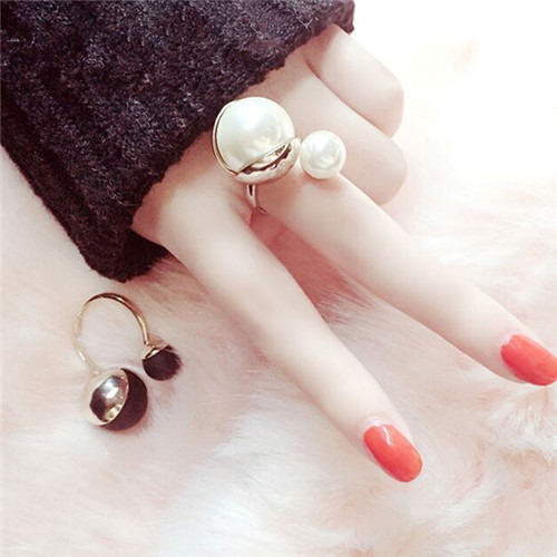 Elegant Simulated Pearl Jewelry Open Ring Women trendy Gold-color jewelry bijoux cute gift white and black colors