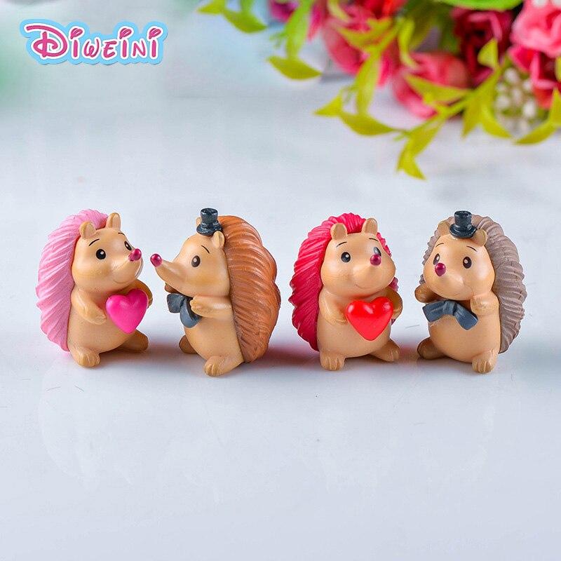 4pcs/lot Lover Hedgehog Animal Model Action Figure Hot Set Toy For Children Gift  Plastic Craft Decoration Educational For Kids