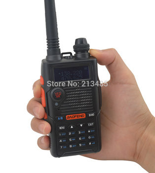 Color Black BF-E500S 136-174MHz & UHF400-520MHz Dual Band 5W/1W 128CH FM 65-108MHz with Free Earphone Portable Two-way Radio