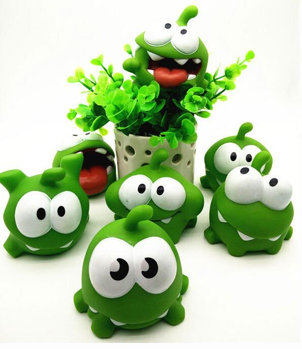2017  Kids Toys One Pice 7.5*7.5*6.5cm Genuine Om Nom Action Toy With Squeeze-Sounding