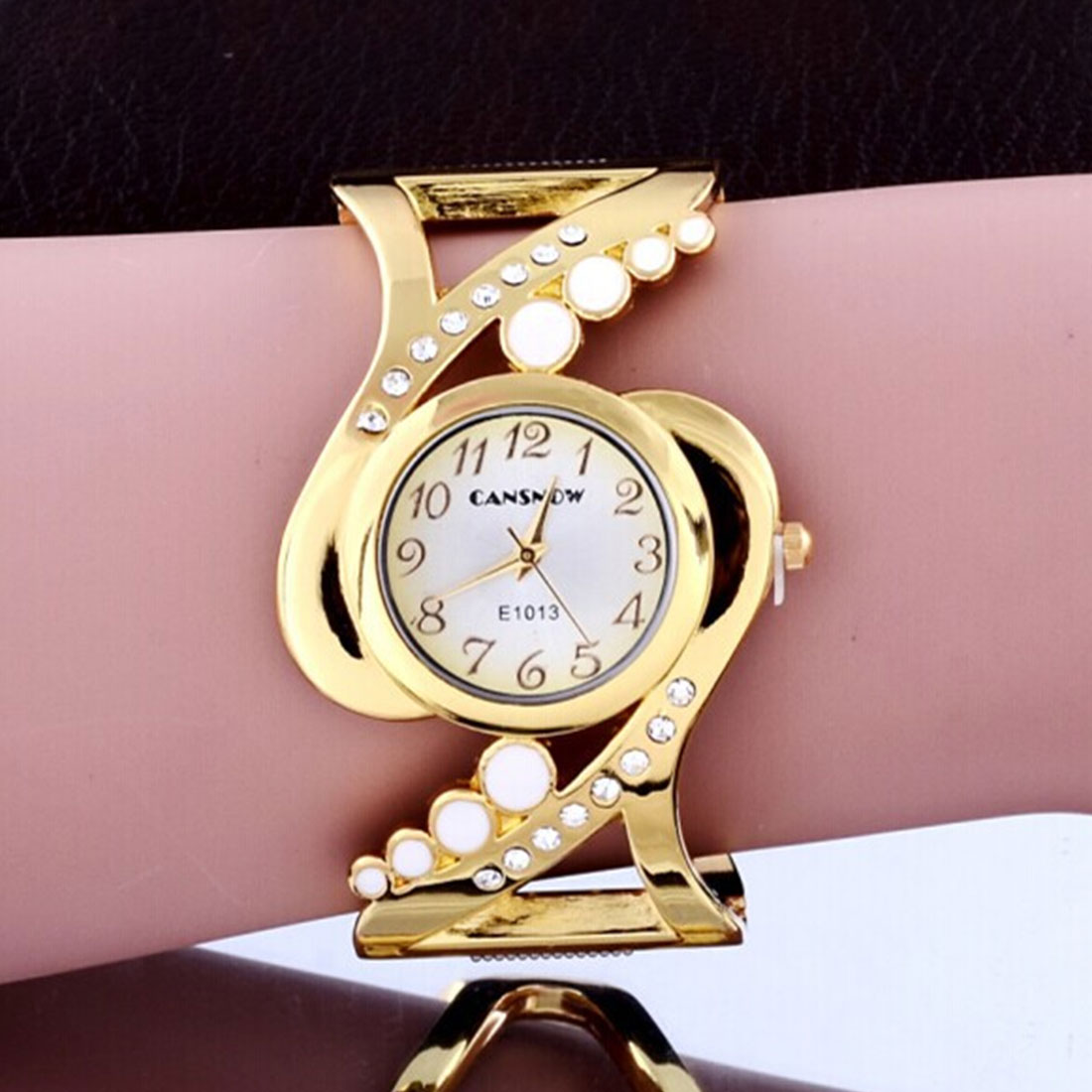 2017 New Bracelet Watches Brand Crystal Luxury Ladies Wristwatch Fashion Watch Women Dress Popular Designer Quartz Watch mance ladies brand designer watches luxury watch women 2016 crystal rivet bracelet braided winding wrap quartz watches quality