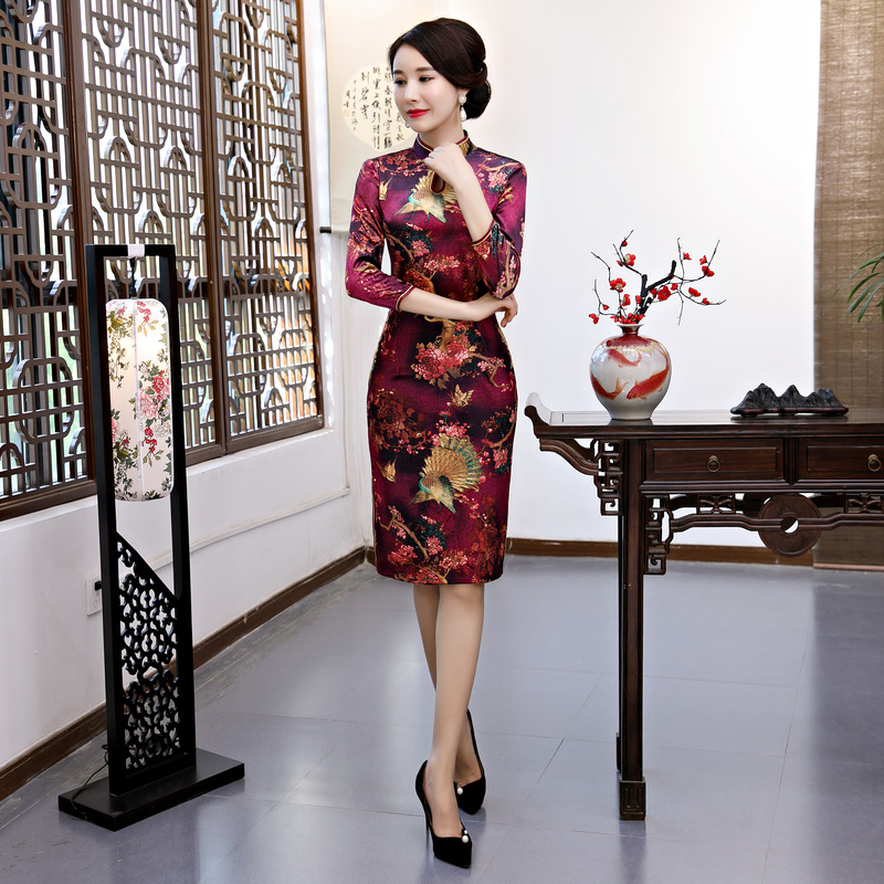 952bae39b40 ... Asian Women Evening Party Dress Plus Size Vintage Print Flower Qipao  Winter Velvet Long Vestidos Mandarin ...