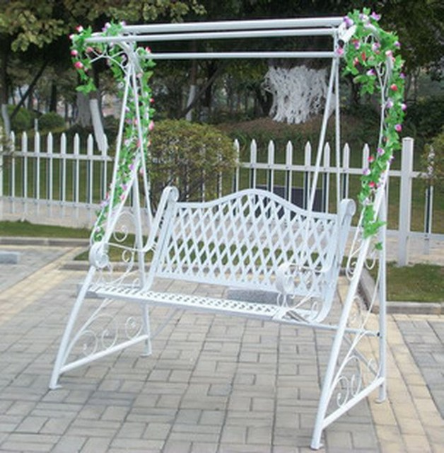 Continental Iron White Rocking Chair Outdoor Swing Hanging Baskets Park Indoor Balcony