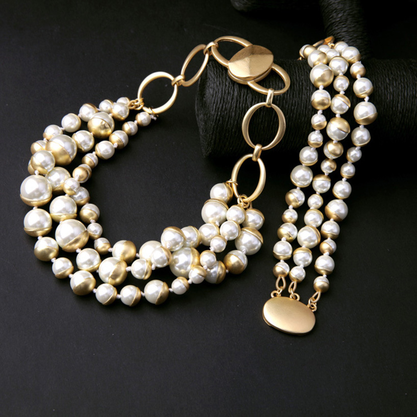 Elegant Ladies Jewelry Set Imitation Pearl Beaded Necklace With Bracelet Magnet Clasp Chunky