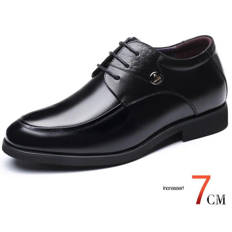 ee96cd48 Los hombres de aumento de altura ascensor Zapatos de vestir zapatos de  cuero zapatos Derby en oculta aumento de plantilla crecer hombre más alto 7  cm en ...
