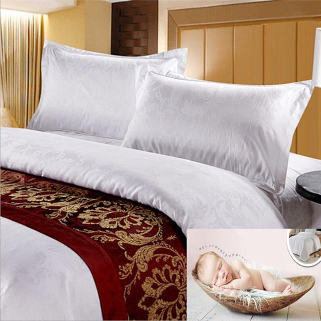 Hôtel literie en gros coton taies d'oreiller blanc satin jacquard