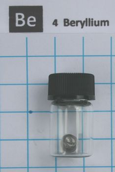 Beryllium metal element 4 Be 1 grams 99,95% shiny pieces in labeled glass vial