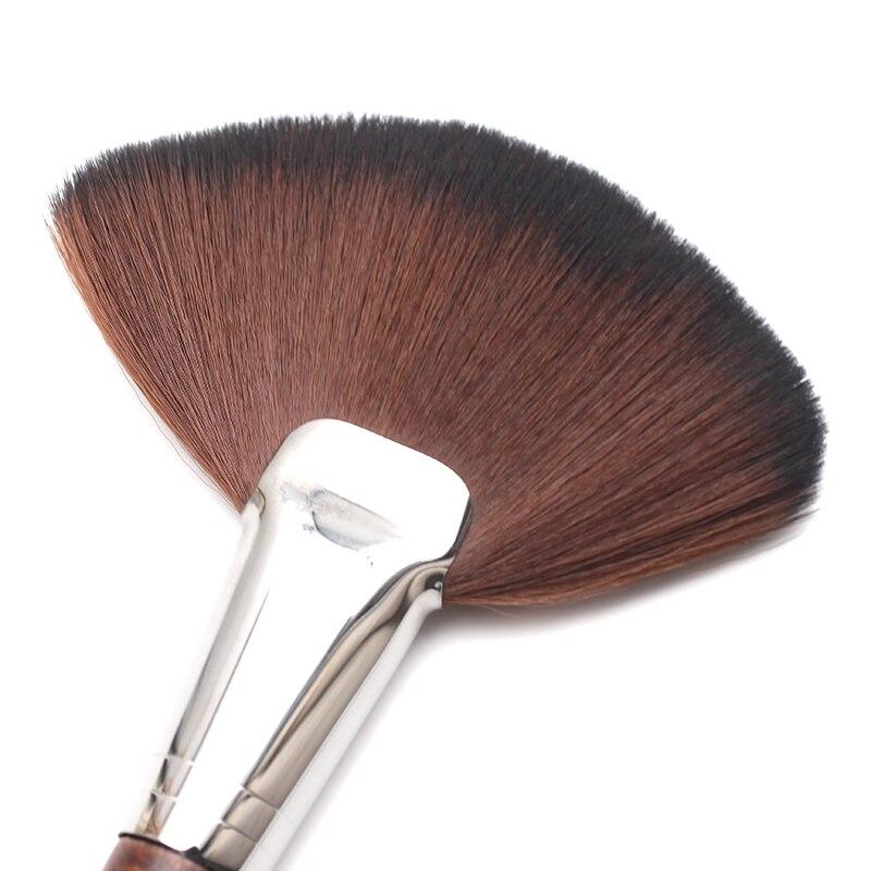 Tesoura de Maquiagem iluminar rosto 134 grande escova Tamanho : 8.0*2.0*3.5 Inches