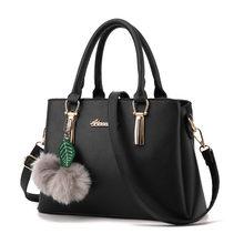 353a95c07d Luxo PU Couro Falso Designer Bolsa Com Hairball New Top Hot Vender Moda  Saco Da Bolsa