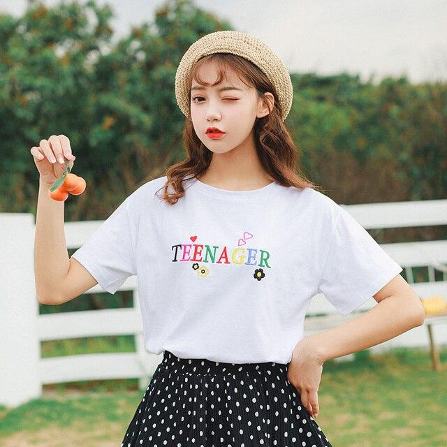Harajuku encabeça 2019 verão coreano moda sweet love rainbow color letras bordadas flores em forma de coração camisa branca de t mulheres