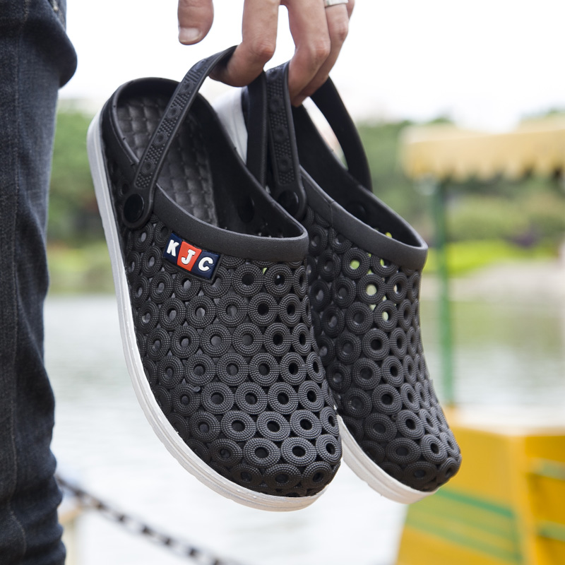 acefa208adcc2 Detail Feedback Questions about 2018 Men Summer Shoes Beach Sandals  Weightlight Black Blue Students Comfortable Breathable Flat Garden Clogs  Aqua Wading ...