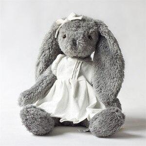 Pluszowa zabawka szary królik nosić biała lniana spódnica piękny króliczek nowy projekt wysokiej jakości siedzi wysoki 28cm łącznie 45cm