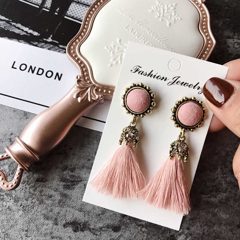 2019 New Tiny Tassel Earrings for Women Fashion Jewelry Vintage Velvet Ball Statement Fringed Drop Earring Female Jewellery gift