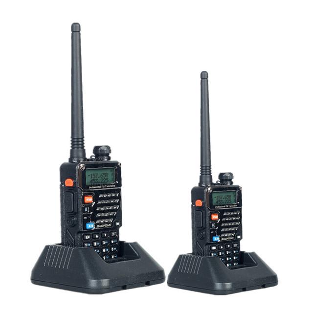 Walkie Talkie 2 PCS Baofeng UV-5RE Dual Band Rádio em Dois Sentidos 5 W 128CH VHF FM VOX Comunicador