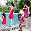 Семья комплект мода танк платья соответствующие одежда для мать и дочь на пляже платье одежда семья стиль одежды летний YE00
