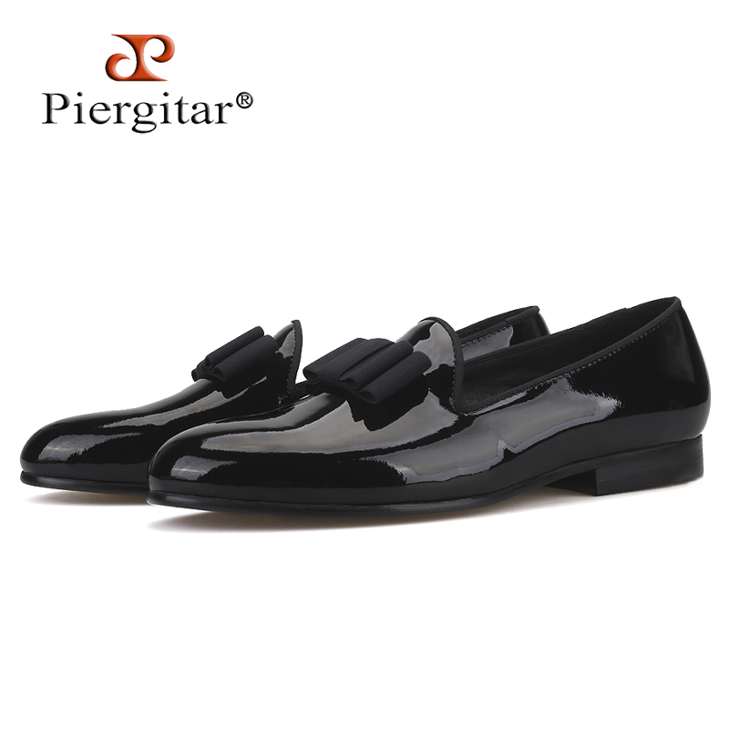 Piergitar 2019 black patent leather men handmade loafers with black bowtie Fashion Banquet and prom men