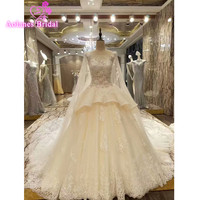 2017 Real Photos High Quality Lace Appliques Crystals Beaded Scoop Long Train Ball Gown Wedding Dresses