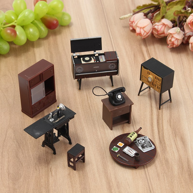 Vintage Miniatures Furniture Ornaments Crafts Doll House Figurines Photography Props Suite for Kids Birthday Gifts