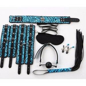 Sexo Bondage Set Kit 7 Pcs Conjunto de Produtos Sexy Adulto Jogos brinquedos Definir Algemas Footcuff Corda Chicote Blindfold Ca