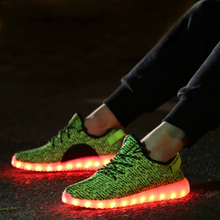 2016 New Hot sale Kids Boys Girls LED Light Up Shoes Sports Dance Luminous Sneakers Flat USB Charger Shoes Trainers 7 Colors