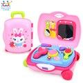 Brinquedos do bebê Hair Styling Set Envolto em uma Mala Consistem de Brinquedo Secador de Cabelo, Pente, Espelho de mão, Batom, Loção & Pincéis de Brinquedos Para Meninas