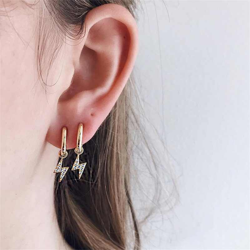 2pcs/pair 2019 Minimalist Copper Gold Color Full Rhinestone Lightning Shaped Pendant Small Stud Earrings For Women Mini Hoops