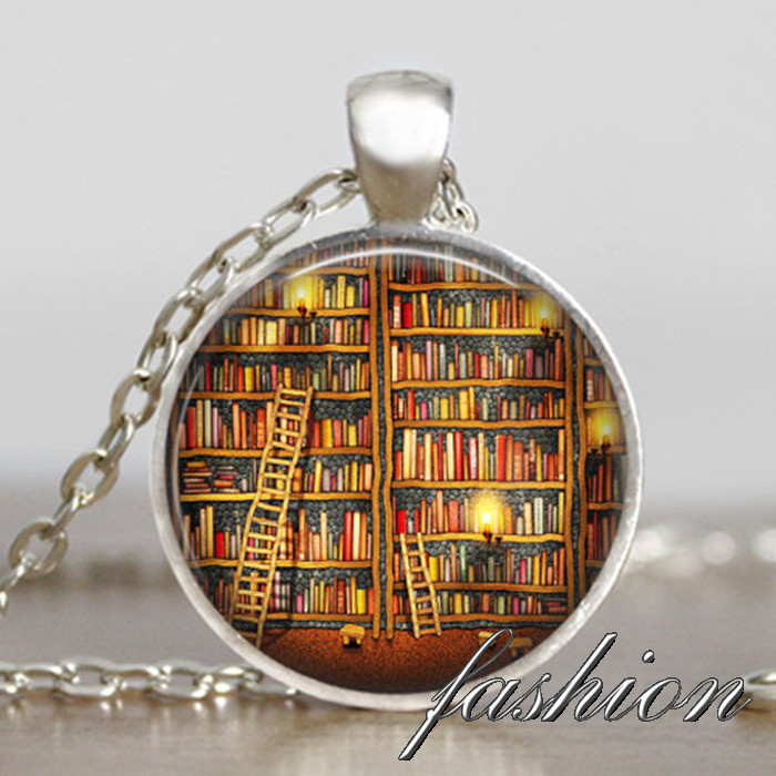 06373e6c5dd Vintage library necklace
