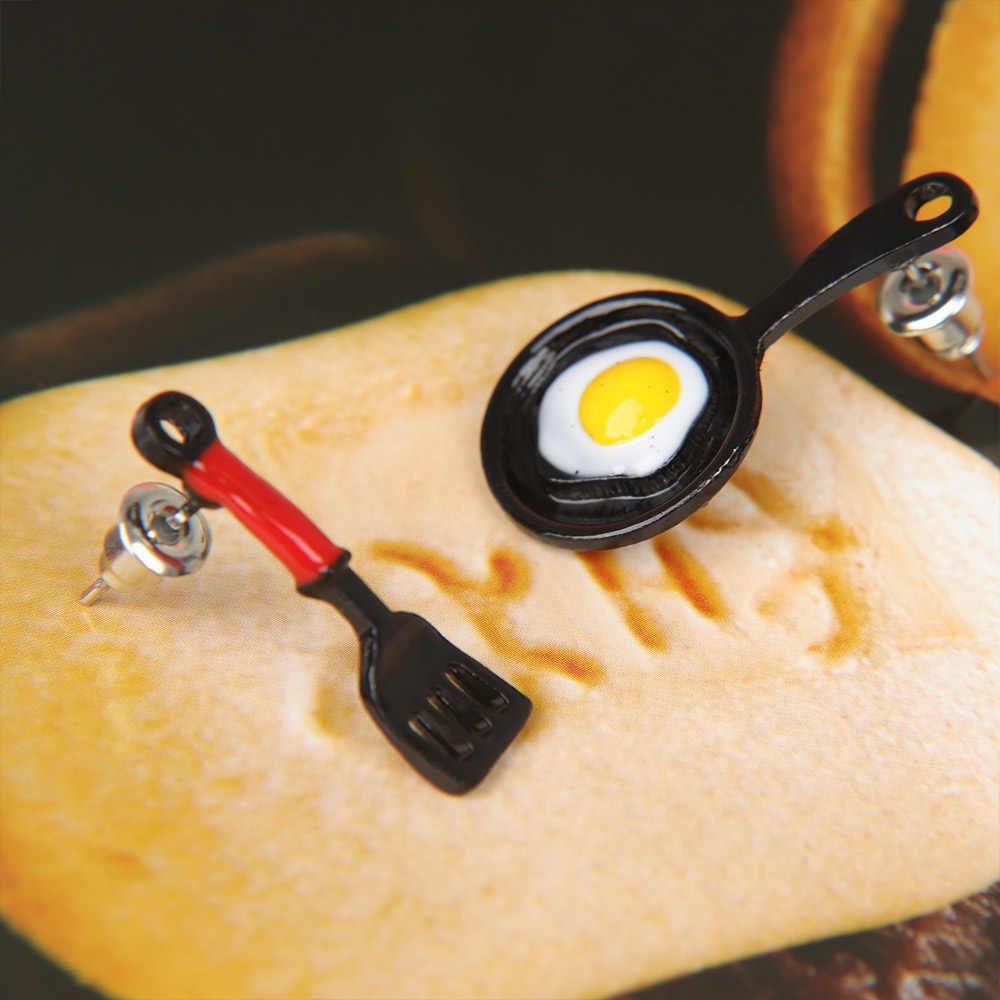 1 ペアかわいいデザイン非対称シャベルパン揚げ卵形スタッドピアス女性のファッション人格のギフトジュエリー